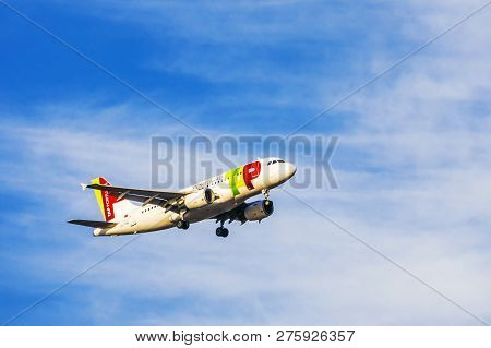 Lisbon, Portugal, September 9, 2015: Takeoff Airline Tap Portugal Airbus-a321 From The International