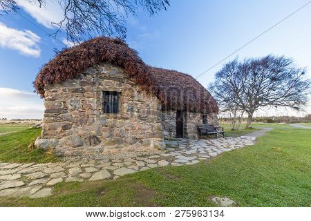 Leanach Cottage Situated On Culloden Battlefield, Near Inverness, Scotland.