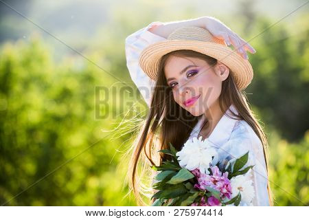 Natural Beauty And Spa Therapy. Spring Woman. Springtime And Vacation. Woman With Fashion Makeup. Su