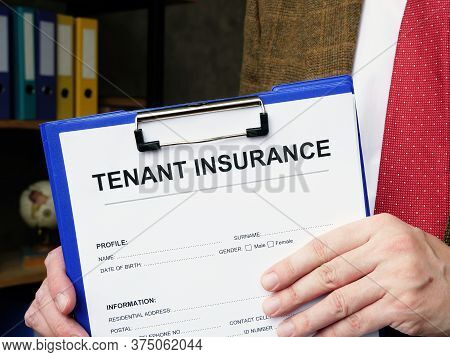 Agent Offers To Sign Tenant Insurance In The Office.