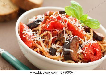 Spaghetti with eggplants