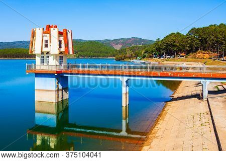 Sunset View Place At The Tuyen Lam Lake In Dalat City In Vietnam