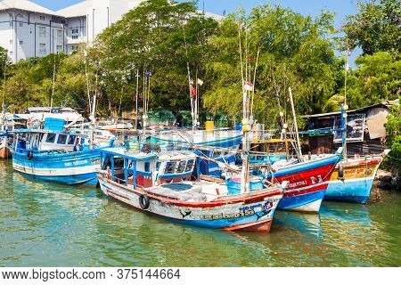 Negombo, Sri Lanka - February 08, 2017: Fishing Boats At Negombo Dutch Canal. Negombo Is A Major Cit