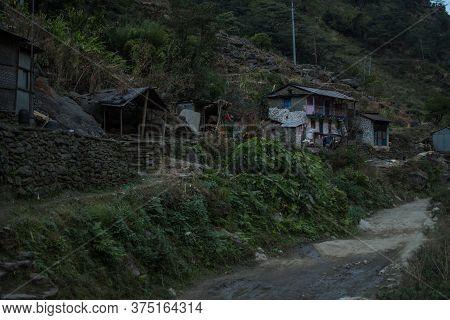 Beatiful Mountain Village By A Dirt Road, Annapurna Circuit, Nepal