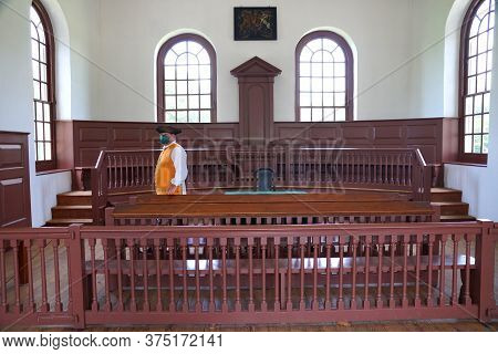 Williamsburg, Virginia, U.s.a - June 30, 2020 - Inside The Courthouse Building