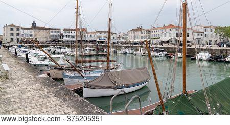 La Flotte En Re, Charente / France - 05 01 2019 : Old Port Of The Village Of La Flotte In Island Ile
