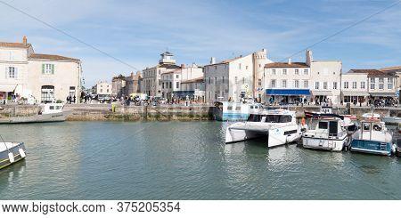 Saint Martin En Re - Ile De Re  Nouvelle Aquitaine / France - 05 02 2019 : Port At St Martin Ile De