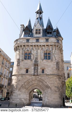 Bordeaux , Aquitaine / France - 12 04 2019 : Porte Cailhau Famous Medieval Gate In Center Ancient Ci
