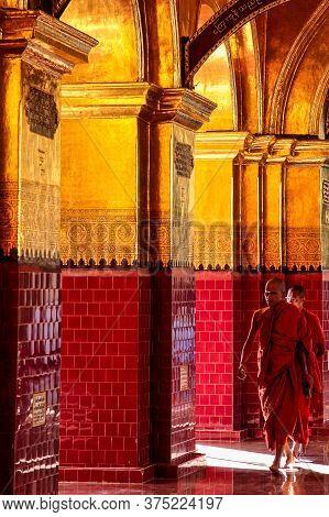 Mandalay, Myanmar - Nov 11, 2019: Mahamuni Pagoda In Mandalay, Myanmar Former Burma. Mahamuni Pagoda