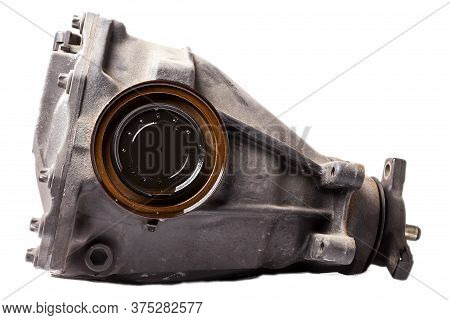 The Iron Gearbox Of A Car's Transmission Is A Gearbox That Receives Torque From The Engine's Cranksh