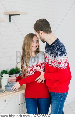 Christmas, X-mas, Winter, Valentine's Day, Couple, Happiness Concept - Smiling Woman And Man.