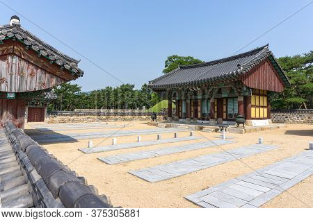 Gimhae, South Korea - June 18, 2017 : Graveyard Of King Suro\'s Warriors And Servants At The Royal T