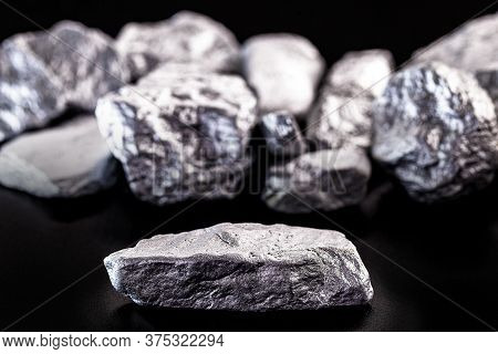 Manganese, Manganese Or Magnesium Stone Is A Chemical Element, It Is In The Manufacture Of Metal All