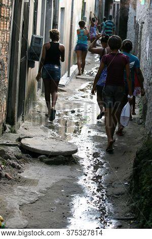 Salvador, Bahia / Brazil - July 10, 2014: Residents Of Fazenda Coutos Neighborhood, Suburb Of Salvad