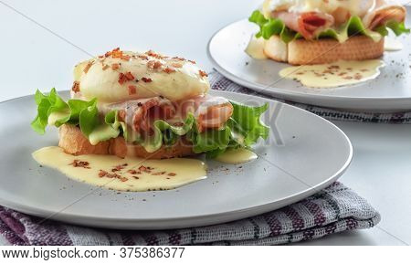 Benedict With Crispy Poached Egg And Hollandese Sauce