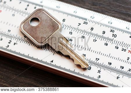 The Key To The Door On The Measuring Device, The Manufacture And Sharpening, So Close