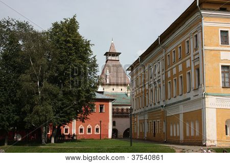 Rostov Kremlin. Samuilov Corps and Water Tower.