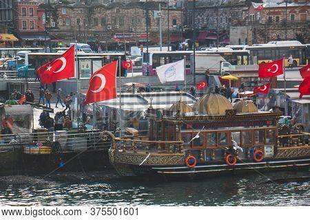 February 8, 2020 Fatih / Istanbul Eminönü Fishermen Tradesman Selling Fish In Eminönü.