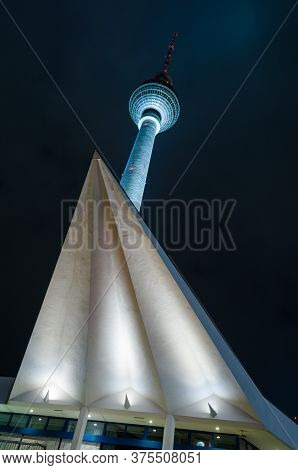 Berlin, Germany - 9 Nov 2012: The Fernsehturm, Or Tv Tower, Is A Symbol Of East Germany And Brutalis