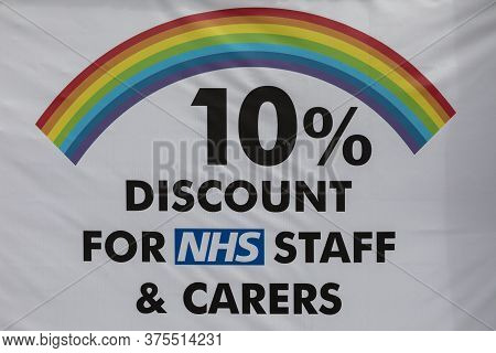 Sheffield, South Yorkshire, England - July 2 2020: A Rainbow Sign Which Offers Nhs Workers And Carer