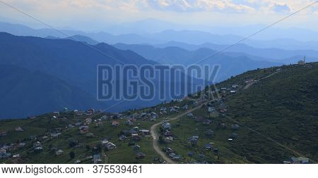 Nomadic Homes On The Mountains In Trabzon,turkey