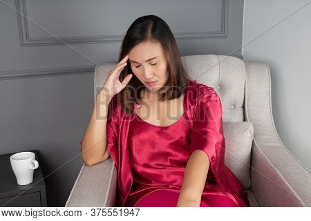 Have A Headache On Living Room, Women In Red Nightgown & Satin Robe With Floral Lace Dizzy Until Ins