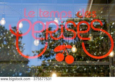 Bordeaux , Aquitaine / France - 07 07 2020 : Le Temps Des Cerises Logo Sign Of Women Shop Brand Fash