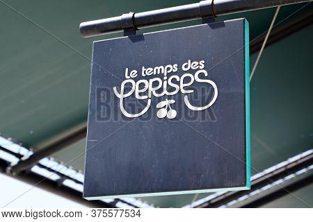 Bordeaux , Aquitaine / France - 07 07 2020 : Le Temps Des Cerises Logo Text Sign Of French Clothing