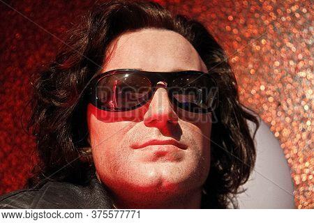 Las Vegas, Nv/usa - Nov 05, 2011: A Waxwork Of Musician, Soloist Of The Group U2 Bono On Display At