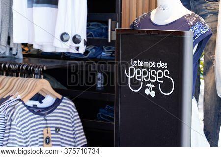 Bordeaux , Aquitaine / France - 07 06 2020 : Le Temps Des Cerises Logo Sign In Interior Women Shop O
