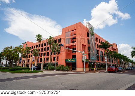 Fort Myers, Fl, Usa - July 8, 2020: Photo Of Edison National Bank Downtown Fort Myers Fl Usa