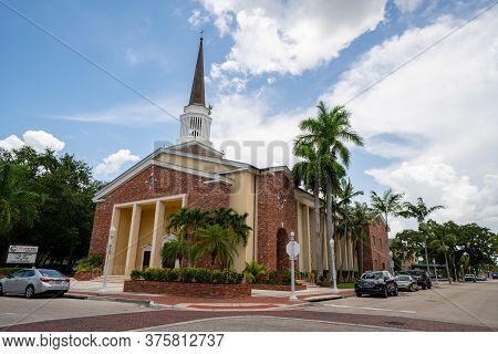 Fort Myers, Fl, Usa - July 8, 2020: Photo Of City Gate Ministries Church Downtown Fort Myers Fl