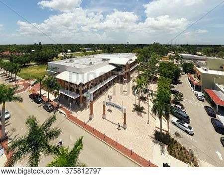 Fort Myers, Fl, Usa - July 8, 2020: Aerial Photo Fort Myers Regional Library At Cornog Plaza Fl Usa