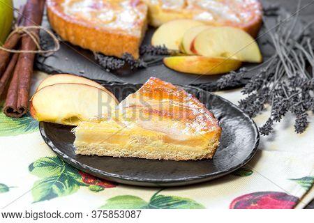 Delicious Apple Pie, Slice Of Apple Pie, Apple Tart Pie Closeup