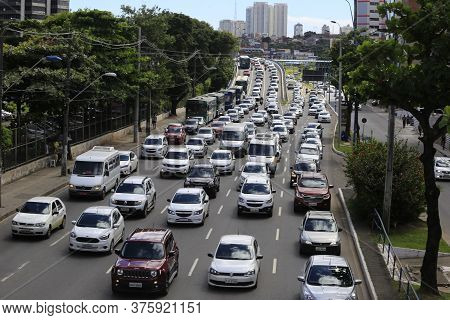 Salvador, Bahia / Barazil - July 15, 2019: Movement Of Vicicles During Congestion Congestion Tancred