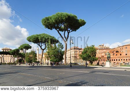 Rome, Italy. 16.10.2019. Streets Of Rome. Historical Place. Beautiful Historical Places Of Rome. Tou