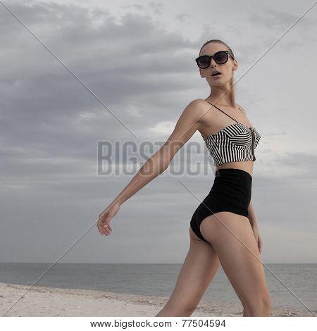 Nice Model Posing In Sunglasses Outdoors