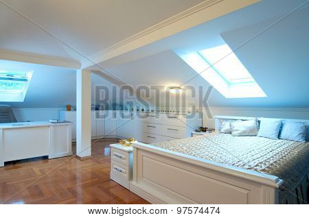 Specious Luxury Bedroom Interior