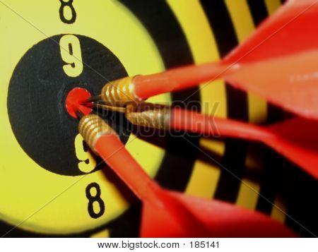 Darts In Center