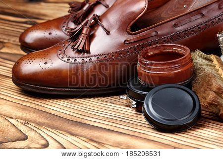 Leather Shoes Brogues Loafers With Shoe Maintenance Set.shoes Care.copy Space