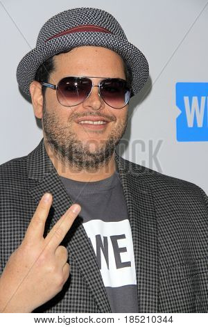 LOS ANGELES - APR 27:  Josh Gad at the We Day California 2017 at The Forum on April 27, 2017 in Inglewood, CA