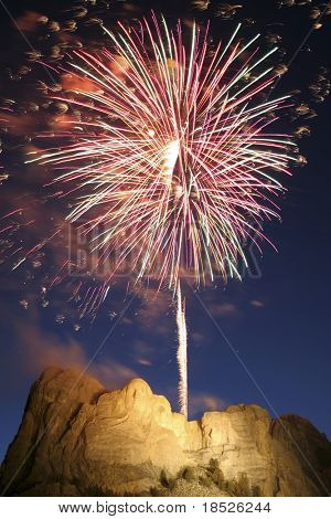 independence day fireworks over mt rushmore