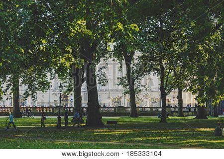 Beautiful Scenery In London's Green Park In The City Of Westminster