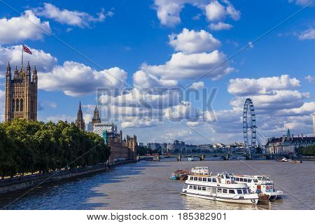 The Big Ben And Palace Of Westminster's Beautiful Architecture In London
