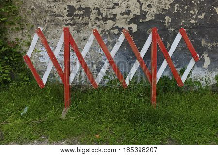 barriers against concrete wall