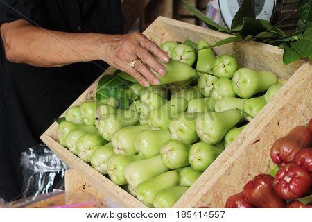 rose apple sweet fruit in the market