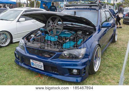 Lexus Is 2001 Engine On Display