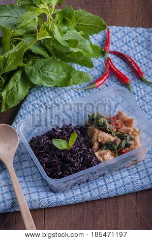 Basil Fried Chicken And Rice Berry Box Set