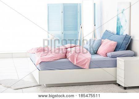 Modern light bedroom