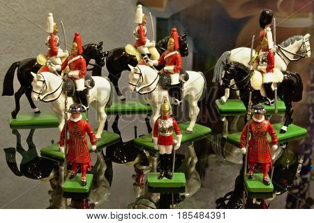The collection of tin soldiers fascinates with its beauty. There is also a foot soldier and a rider. They are dressed in colorful uniforms and caftans.